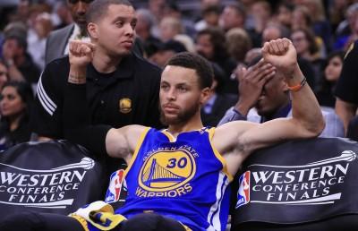 NBA》季後賽3分球 柯瑞超越Kobe成史上第5