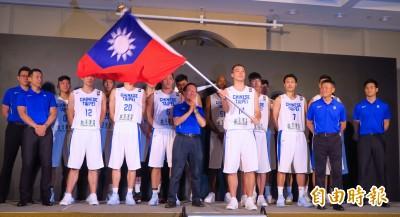 看到T以為是台灣 男籃新隊徽讓戴維斯空歡喜