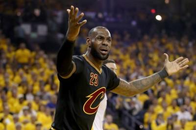 NBA》回主場力阻勇士聽牌 詹皇霸氣喊話