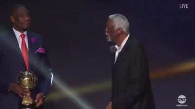 NBA》83歲指環王笑納終身成就獎 猛嗆「打爆你們」(影音)