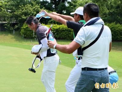 高爾夫》扶輪挑戰賽落幕 連騼森140桿奪冠