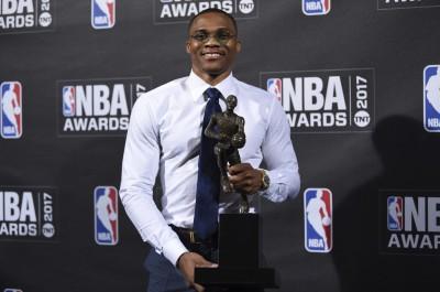 NBA》「我也是奪冠前拿MVP」 喬神霸氣恭賀魏少