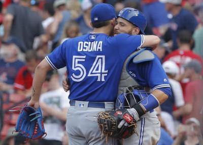 MLB》藍鳥終結者投球「頓」一下 擾亂紅襪打者(影音)