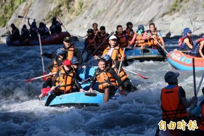 秀姑巒溪泛舟鐵人三項競賽 600名選手競逐