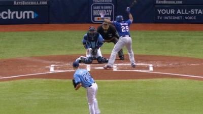 MLB》這個我來! 對手挖地瓜竟讓崔哥搶著撿球(影音)