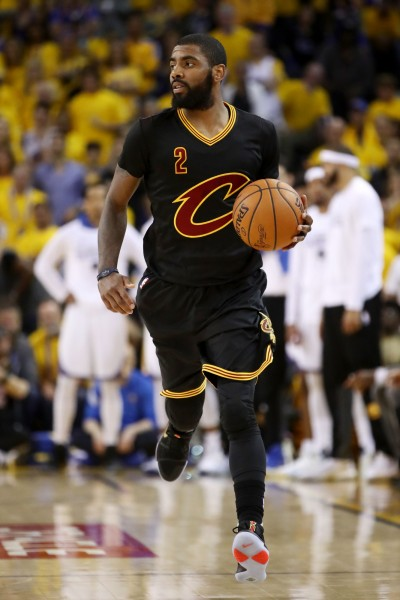 NBA》想與詹皇和平相處 厄文曾和Kobe請益