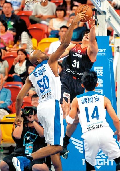 戴維斯傷退 亞洲盃籃板成隱憂