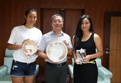 網球》詹家姊妹拜會體育署長 期許世大運、美網再創佳績