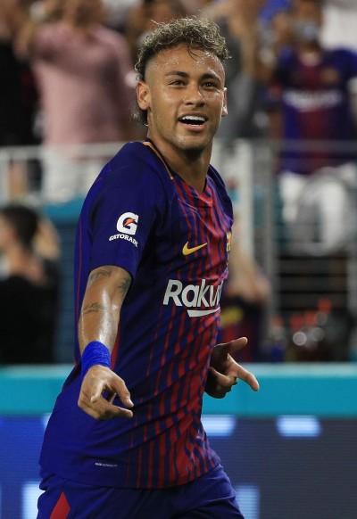足球》MSN拆夥!內馬爾77億天價降臨巴黎聖日耳曼