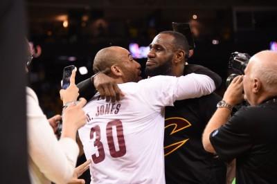 NBA》詹皇小弟語出驚人 「柯瑞排不上聯盟前10」