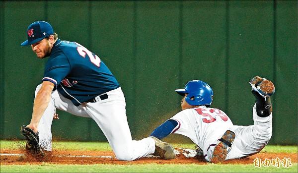 世大運棒球》「陰影還在,我會盡力」王正棠用生命撲壘