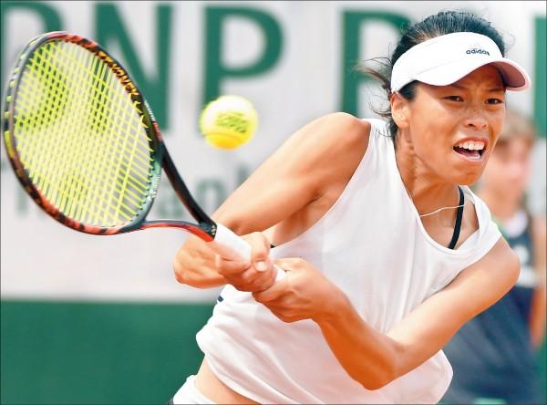泛太平洋女網賽》小薇殺進會內賽 雙詹明合體出戰