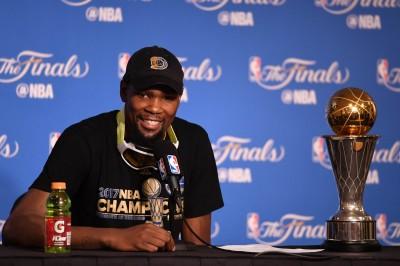 NBA》杜蘭特失言風波 雷霆中鋒諷:偉大球員不會批評隊友