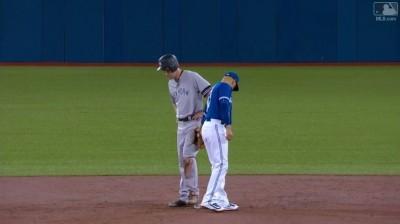 MLB》假傳藏球騙對手 藍鳥戲精游擊手化解失分危機(影音)