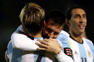 世界盃》梅西狂進3球逆轉 阿根廷驚險晉級會內賽(影音)