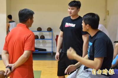 世界盃》傷兵滿營!台灣男籃首波開訓僅7人可練