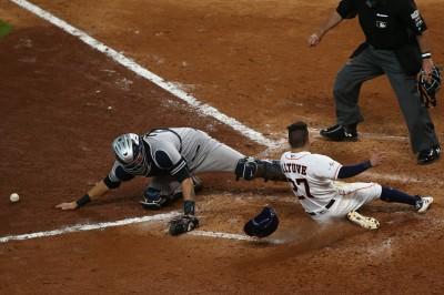 MLB》桑契斯漏接遭再見安打 美媒撰文點缺失