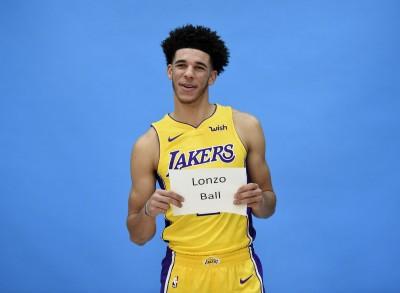 NBA》球哥踝傷無大礙 開幕戰穿ZO2復出(影音)