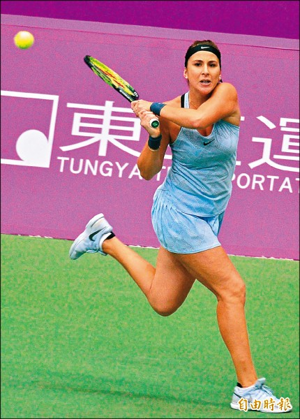 海碩盃女網賽》術後強勢回歸 班西琪「背靠背」奪冠