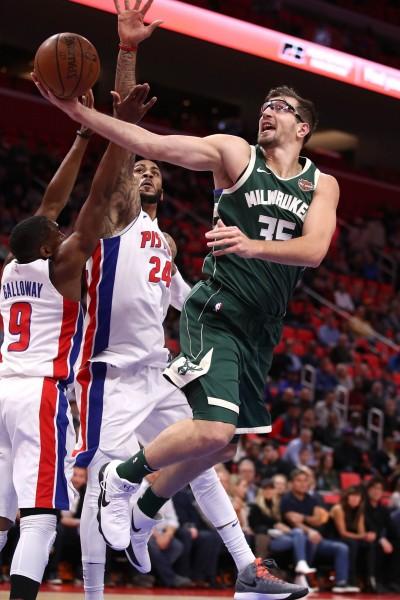 NBA》公鹿前場戰力告急 兩名禁區大將持續缺席