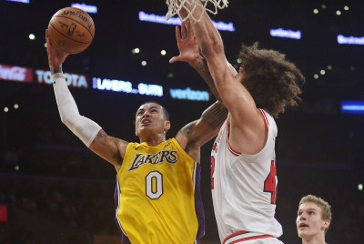 NBA》新秀庫茲馬締隊史紀錄 湖人大逆轉擊敗公牛(影音)