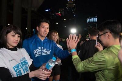 馬拉松》富邦開心練跑團 林哲瑄現身打氣讓跑者好驚喜