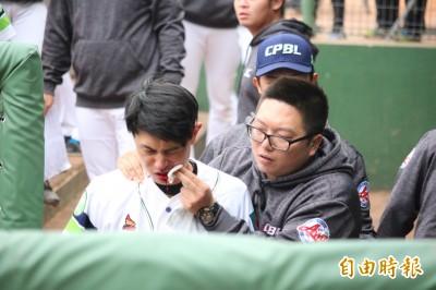 冬盟》吳東融遭臉部觸身球  血流如注緊急送醫