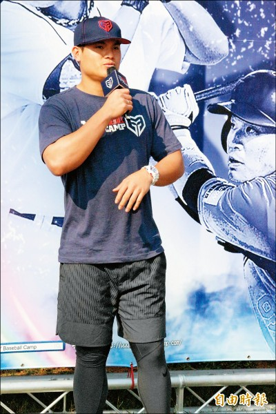 YY棒球訓練營》張育成明年目標:拚上大聯盟