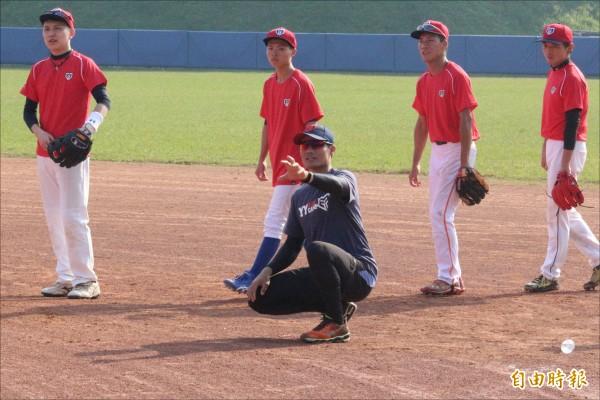 YY棒球訓練營》榊原良行一席話 點醒王勝偉