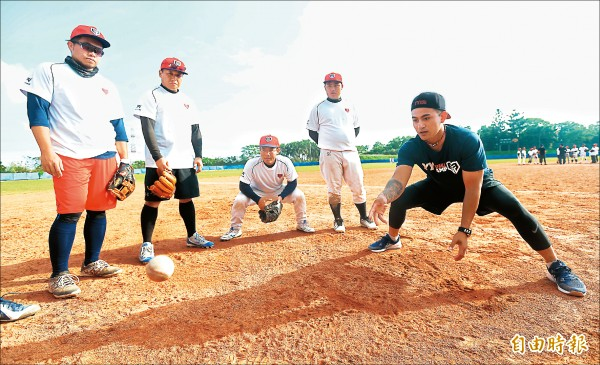 YY棒球訓練營》美式守備方式 王勝偉師法