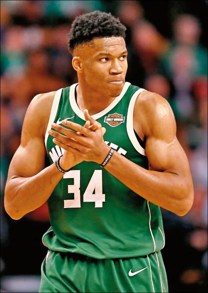 NBA》明星賽擠下詹姆斯 字母哥暫居人氣王