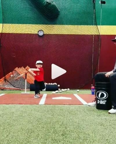 棒球》1歲多小神童練打 超齡球技嚇壞美媒(影音)