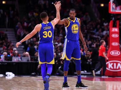 NBA》浪花兄弟外線發飆!勇士宰公牛收客場14連勝平隊史紀錄