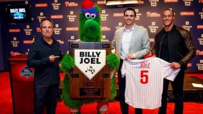 MLB》大聯盟最妙合約!費城人簽69歲「傳奇人物」