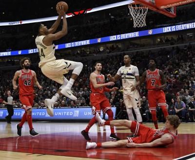 NBA》字母哥轟31分18籃板 公鹿力退七六人收4連勝