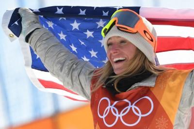 冬奧》強風太大選手狂跌倒 雪板女將安德森驚險完成二連霸
