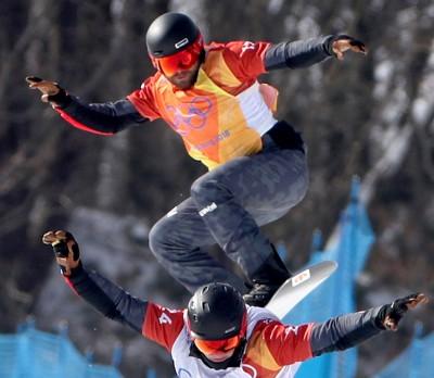 冬奧》驚!最後一跳失去平衡 奧地利選手頸椎重摔著地(影音)