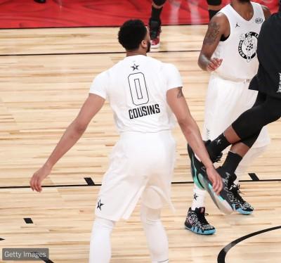 NBA》真兄弟!一眉哥穿表弟球衣先發上場(影音)