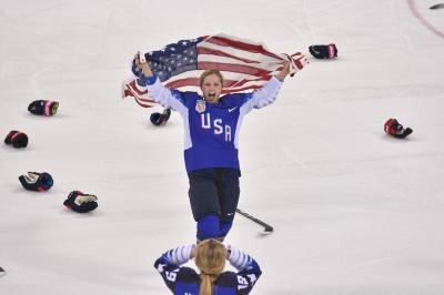 冬奧》「美」女冰球復仇成功 中斷加國四連霸