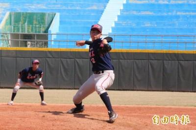 高中木棒聯賽》高一大物投手陳柏毓中繼登板  場邊球探甦醒