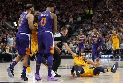 NBA》推倒「西班牙金童」 太陽兩球員各吃72萬罰款(影音)