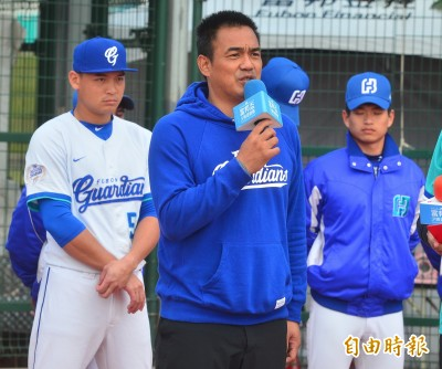 中職》台灣巨砲正式升格!陳金鋒取得頂級國家教練証