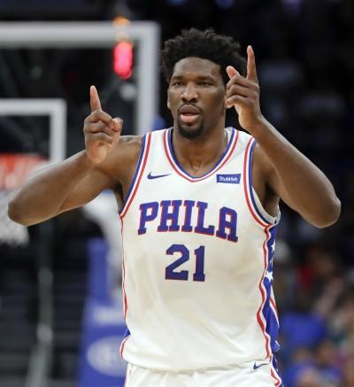 NBA》七六人輕鬆拆穿魔術奪5連勝 緊咬東部第三騎士
