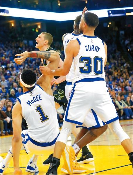NBA》勇士「傷」腦筋 柯瑞歸隊又傷退