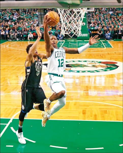 NBA》小鮮肉連線 綠衫軍射垮公鹿