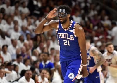 NBA》對手故意踩面罩 恩比德:我們準備了50個!(影音)