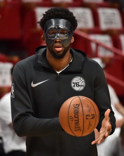 NBA》恩比德回來了 化身「面具俠」來滅火