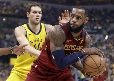 NBA》詹皇季後賽生涯百場得分破30  騎士狠踹溜馬扳平
