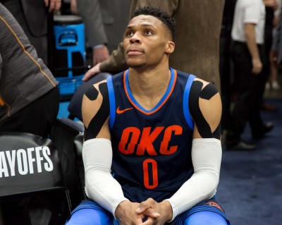 NBA》第四戰擅離板凳 魏少差點被禁賽