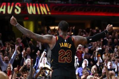 NBA》籃球之神後第一人!詹皇締超狂季後賽絕殺紀錄(影音)